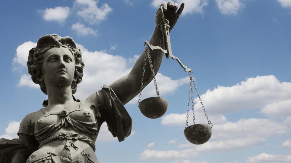 Drie jaar cel voor Hilversumse vader die dertien jaar lang zoon misbruikte