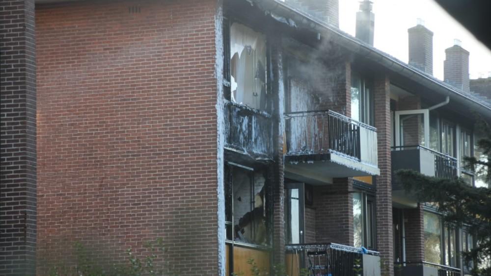 Flinke brand veroorzaakt veel schade aan appartementen in Hilversum