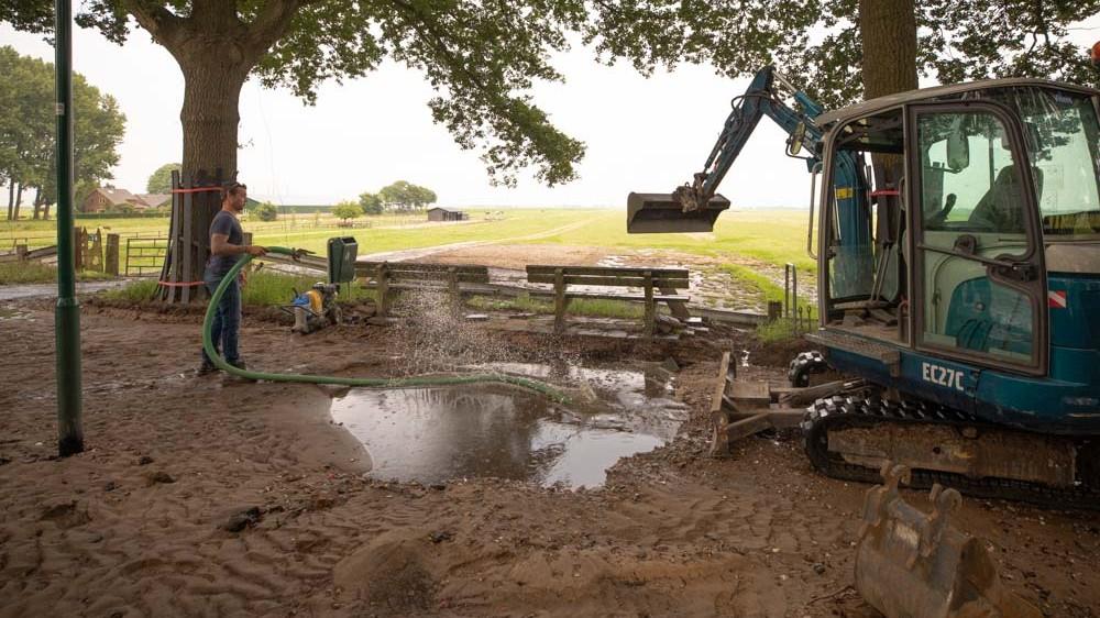 Problemen door gesprongen Eemnesser waterleiding donderdag pas achter de rug