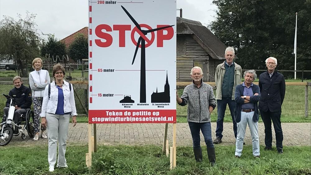 """Fel verzet Weespers tegen windmolens in polder: """"Het is niet democratisch"""""""