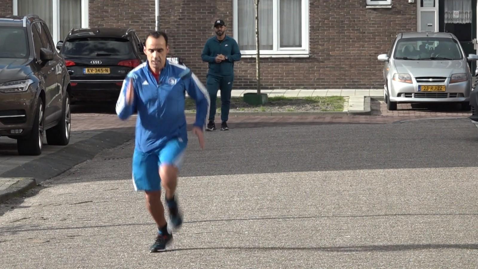 """Marathon Mo kan door corona niet hardlopen voor goede doel: """"Ik baal ervan"""""""