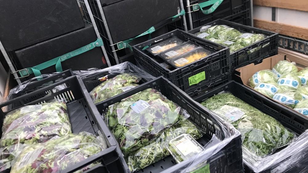 Na maanden gaat Bussumse voedselbank weer voedsel ophalen