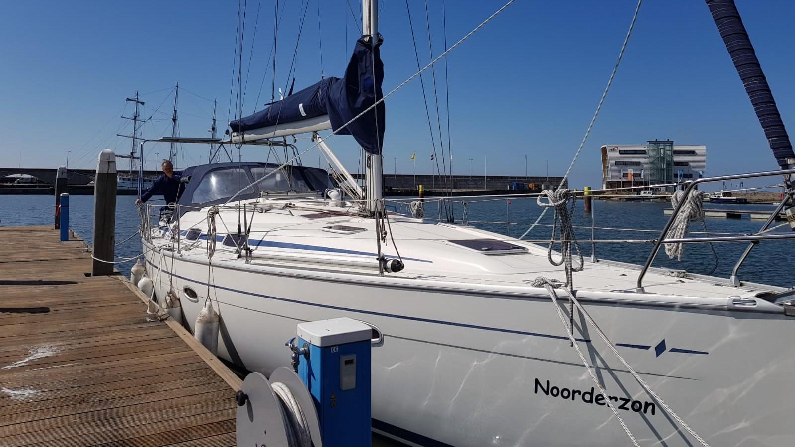 Gestolen zeilboot uit haven Enkhuizen, teruggevonden in Gelderland