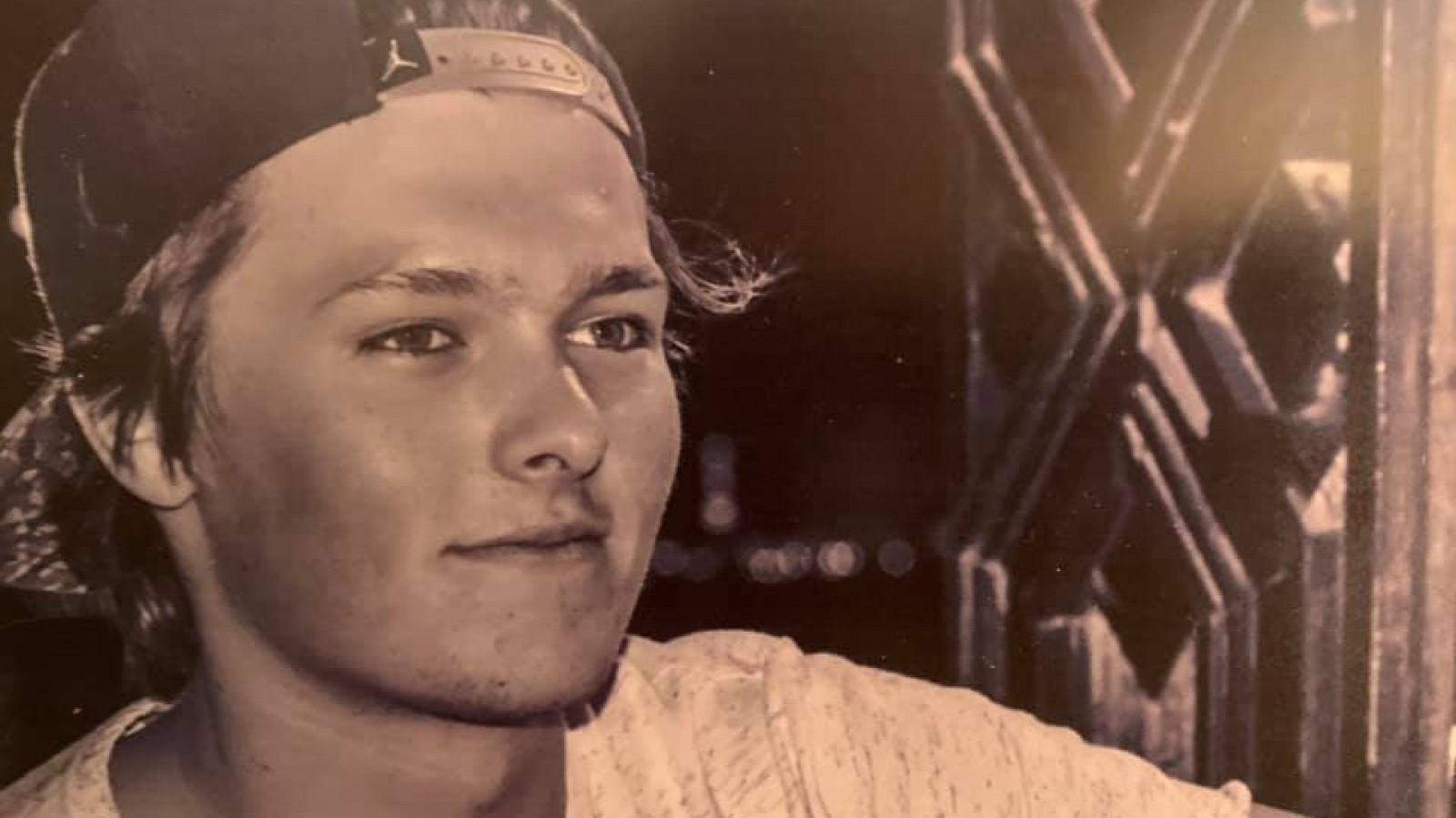 """Muiderberg rouwt om omgekomen surfer Max: """"Een jongen met een hart van goud"""""""
