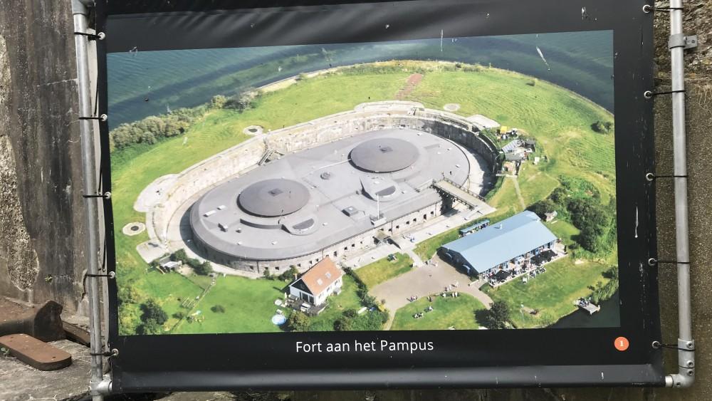 'Camping op forteiland Pampus per direct gesloten op last van gemeente'