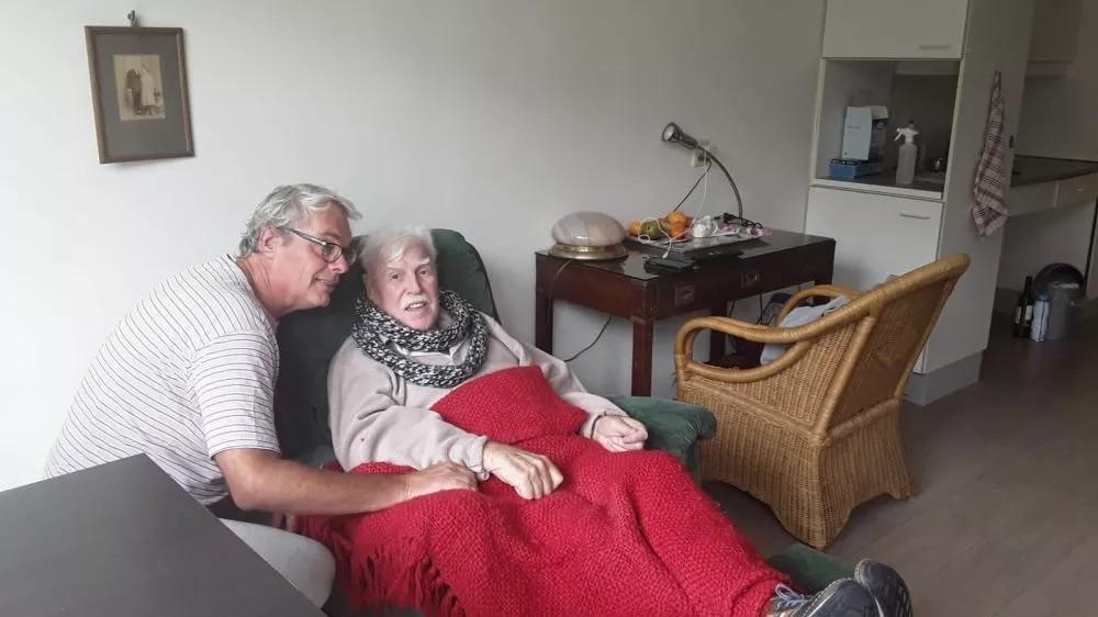 """Jankees zit nog altijd in verpleeghuis bij echtgenoot: """"De vermoeidheid slaat toe"""""""