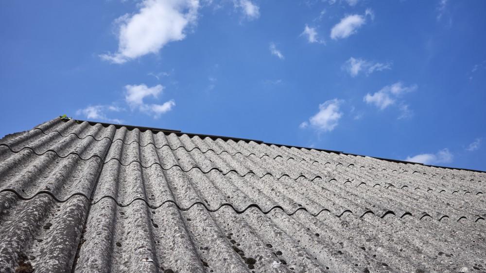 Eemnes gaat bewoners helpen met verwijderen van asbest