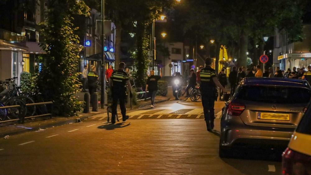 Opnieuw onrustig op Laarder kermis, politie drijft met honden jongeren uiteen