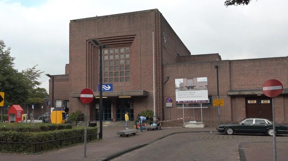 Grote opknapbeurt voor gevels monumentaal station Naarden-Bussum