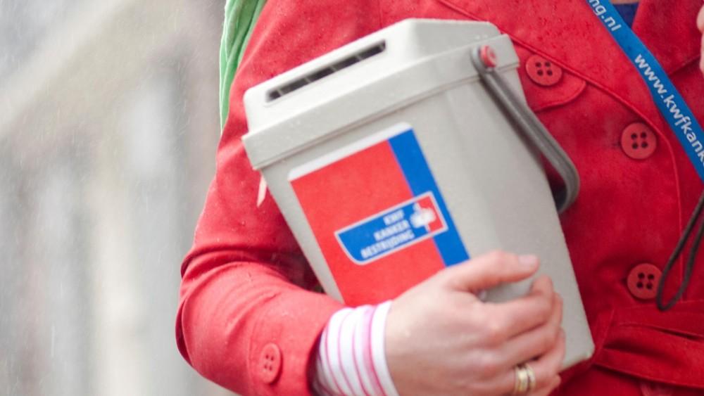 KWF Hilversum stapt langzaam over van collectebus naar QR-code