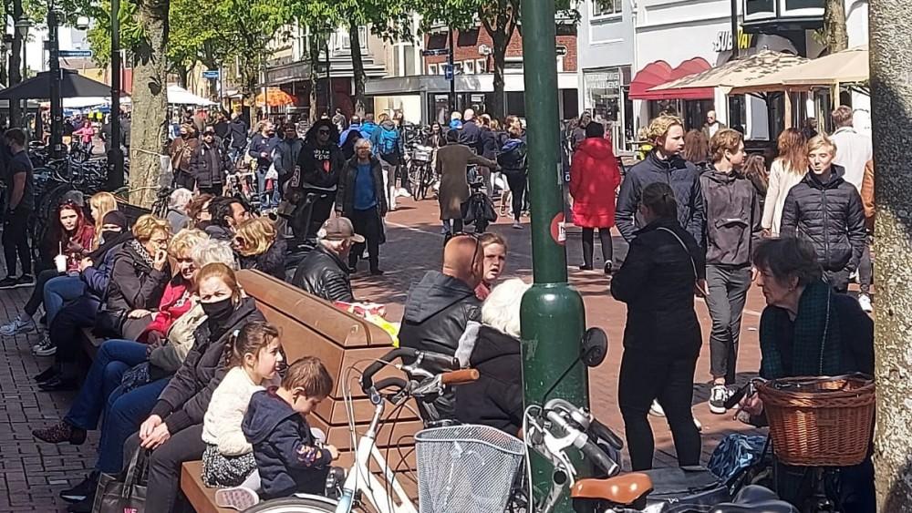 Drukte in meerdere stadscentra vanwege winkelend publiek