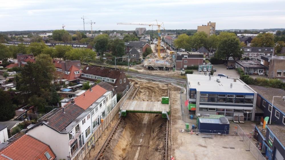 Enorme vertraging voor bouw tunnel die deel Hilversum al jaar overlast geeft