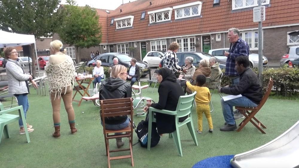 """Hilversumse Bloemenbuurt wil terug naar 'ons-kent-ons': """"Feestje om elkaar te ontmoeten"""""""