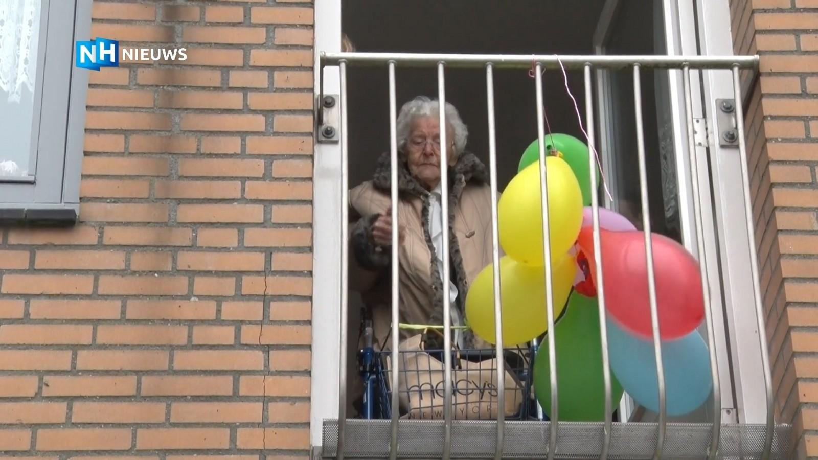 Weespse honderd jaar, maar moet haar verjaardag op het balkon vieren