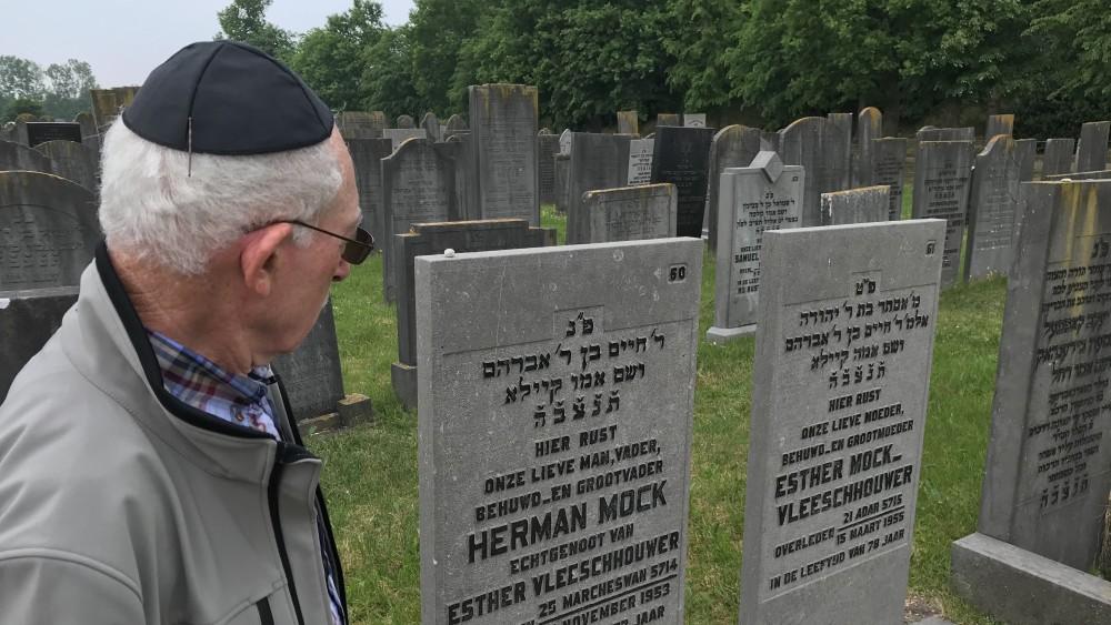 Vanaf september weer wandelen over grote Muiderbergse joodse begraafplaats