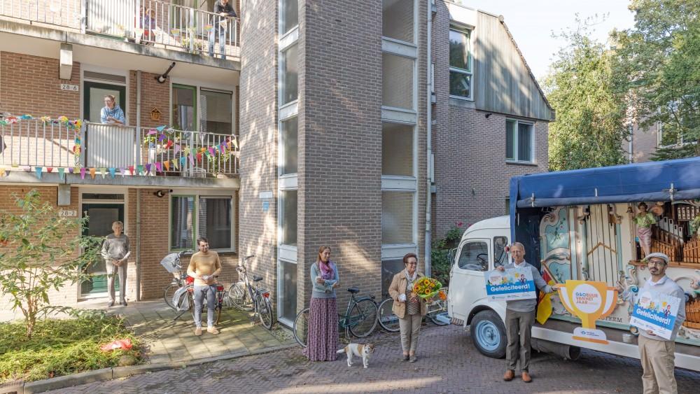 """Hilversummers benoemen ex-buurman Meindert (69) tot beste buur: """"Heel bijzonder"""""""
