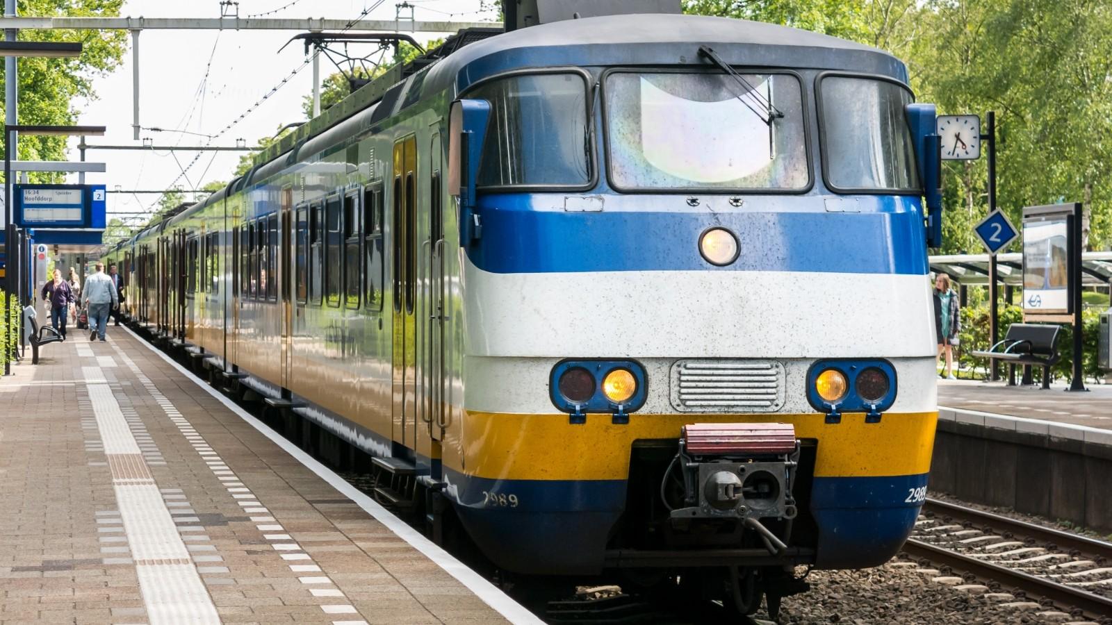 Geen treinen tussen Hilversum en Baarn na aanrijding