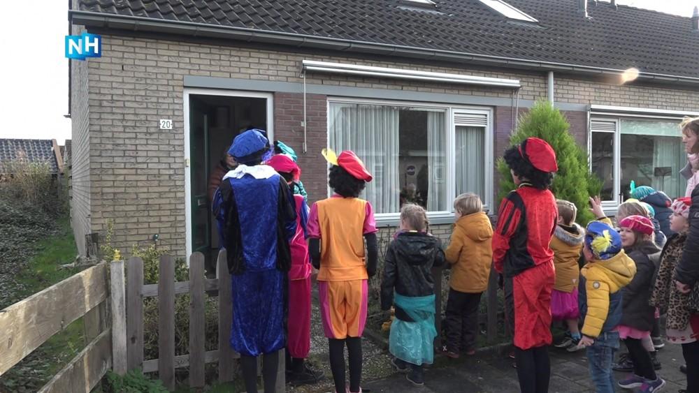 """Leerlingen vieren Sinterklaas met de overburen: """"Leren om naar elkaar om te kijken"""""""