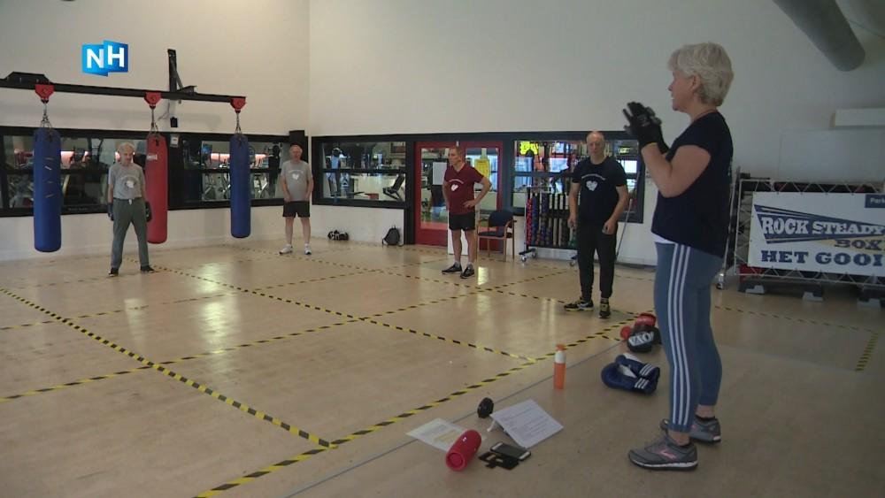 """Mariëtte geeft boksles aan sporters met parkinson: """"Ik heb het zelf ervaren """""""