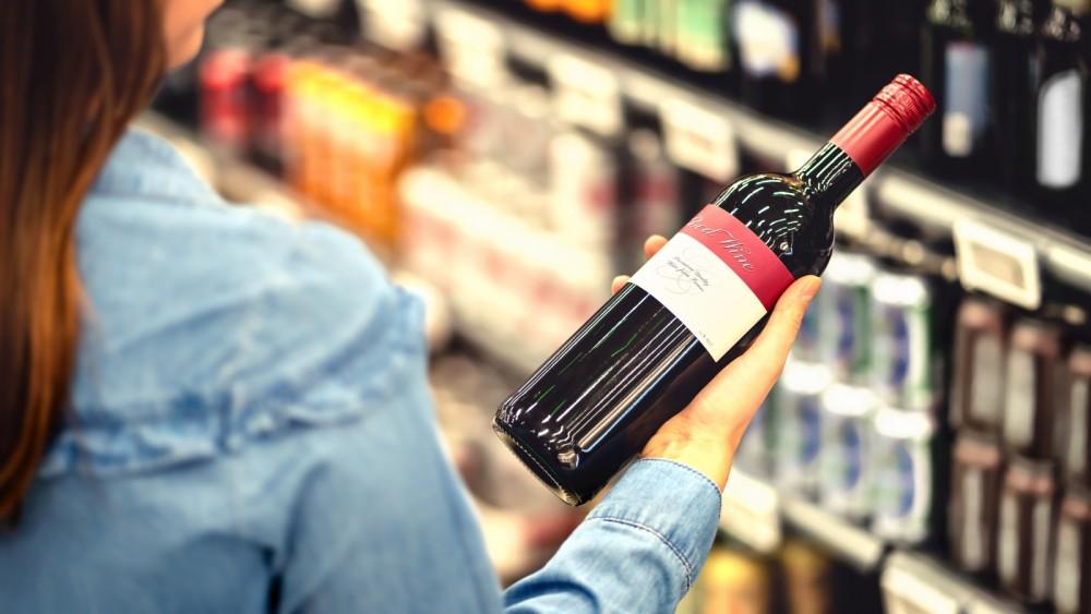 Groot deel supermarkten en slijteren Gooise Meren houdt zich niet aan legitimatieplicht