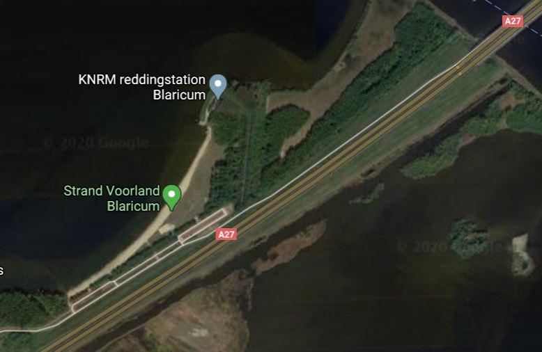 Het strand bij de A27 (Google Maps)