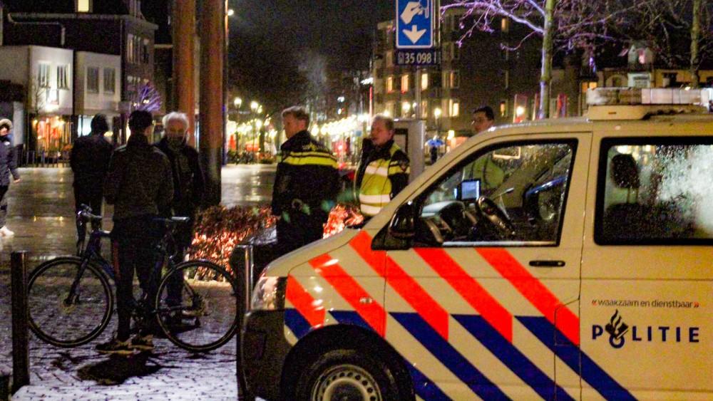 """Hilversum 'extra alert' na aangekondigde rellen: """"Er liggen noodbevelen klaar"""""""
