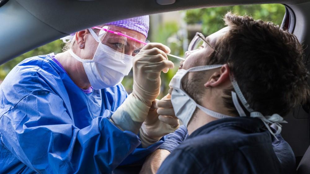Aantal Gooise coronabesmettingen daalt weer verder: bijna niemand nog ziek