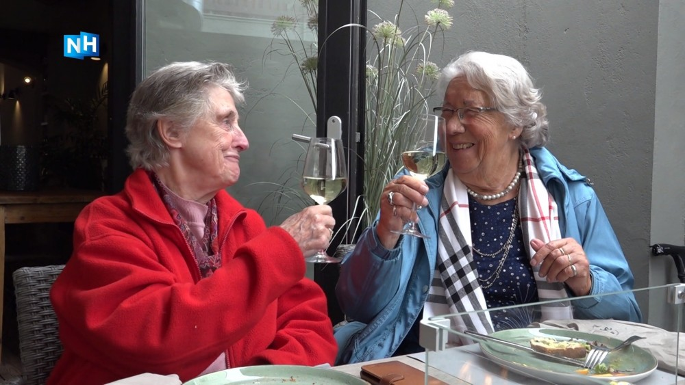 Na maanden afwezigheid mag PlusBus senioren weer in 't zonnetje zetten