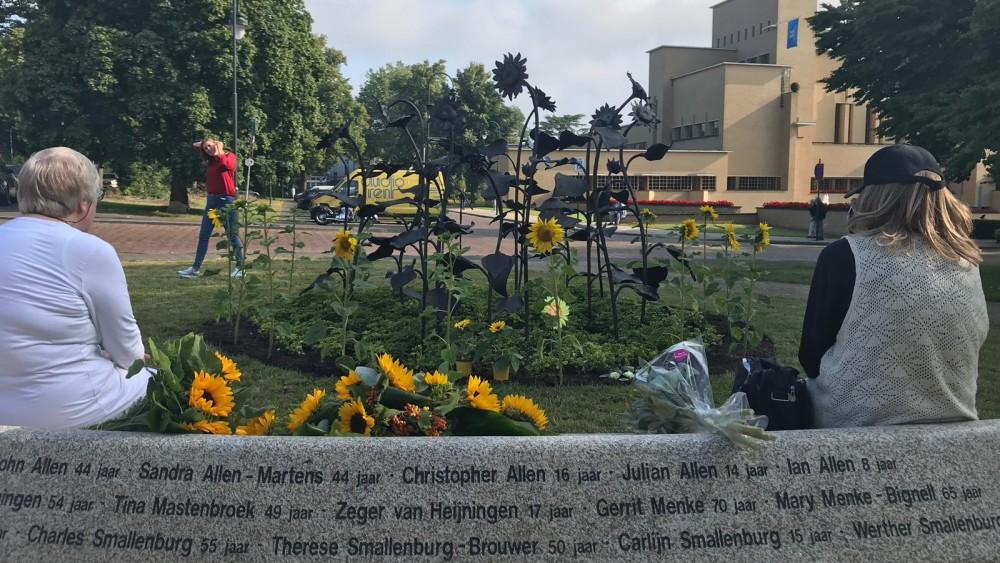 Zes jaar na MH17-ramp: Hilversum herdenkt omgekomen dorpsgenoten