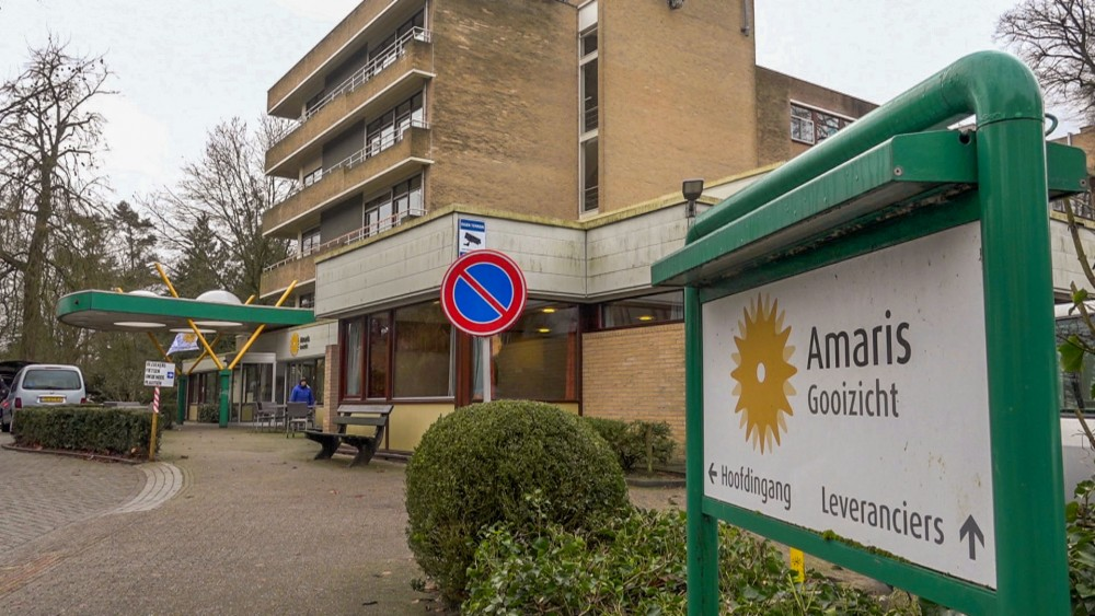 """Raadsvragen over gedwongen verhuizing Hilversumse senioren: """"Niet slepen met ouderen"""""""