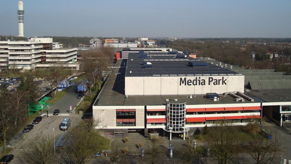 Parkeerdek Hilversum Mediapark wordt week lang een bioscoop