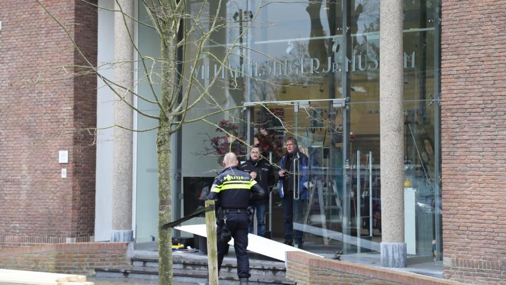 Man (58) aangehouden voor veelbesproken Van Gogh-roof uit Singer Laren