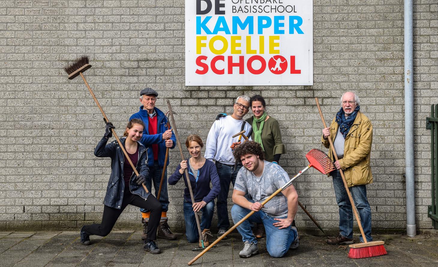 De vrijwilligersploeg van GroenLinks Huizen (Foto: Larisa Landré