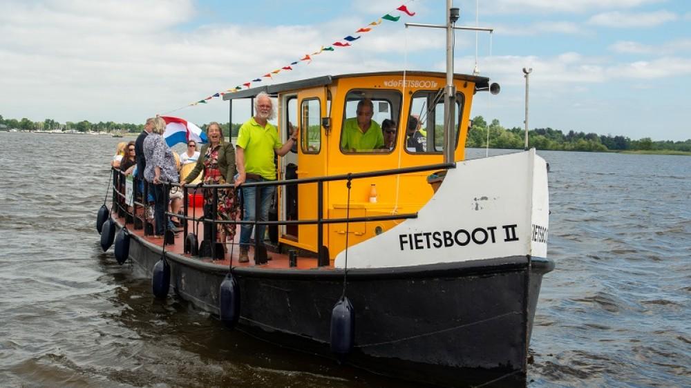 Loosdrechtse fietsboot wordt groen: elektrische motor en zonnepanelen
