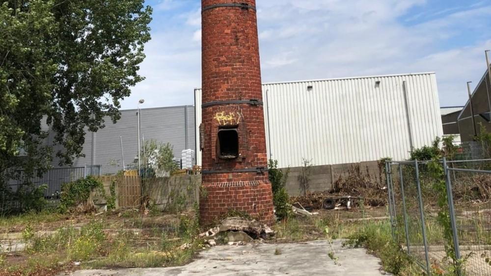 Geen kwade opzet bij plotse sloop van historische Weesper schoorsteen