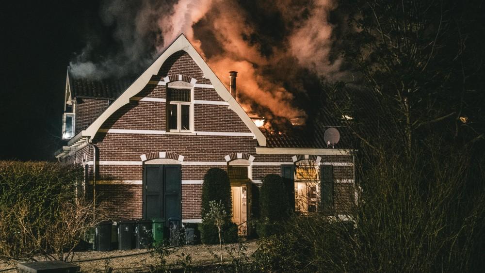 Brand bij bed and breakfast in Loosdrecht, bewoner en gasten ongedeerd