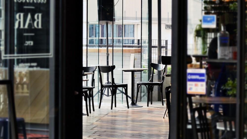 Hilversum zet alles op alles om lokale horeca uit handen te houden van 'coronacriminelen'