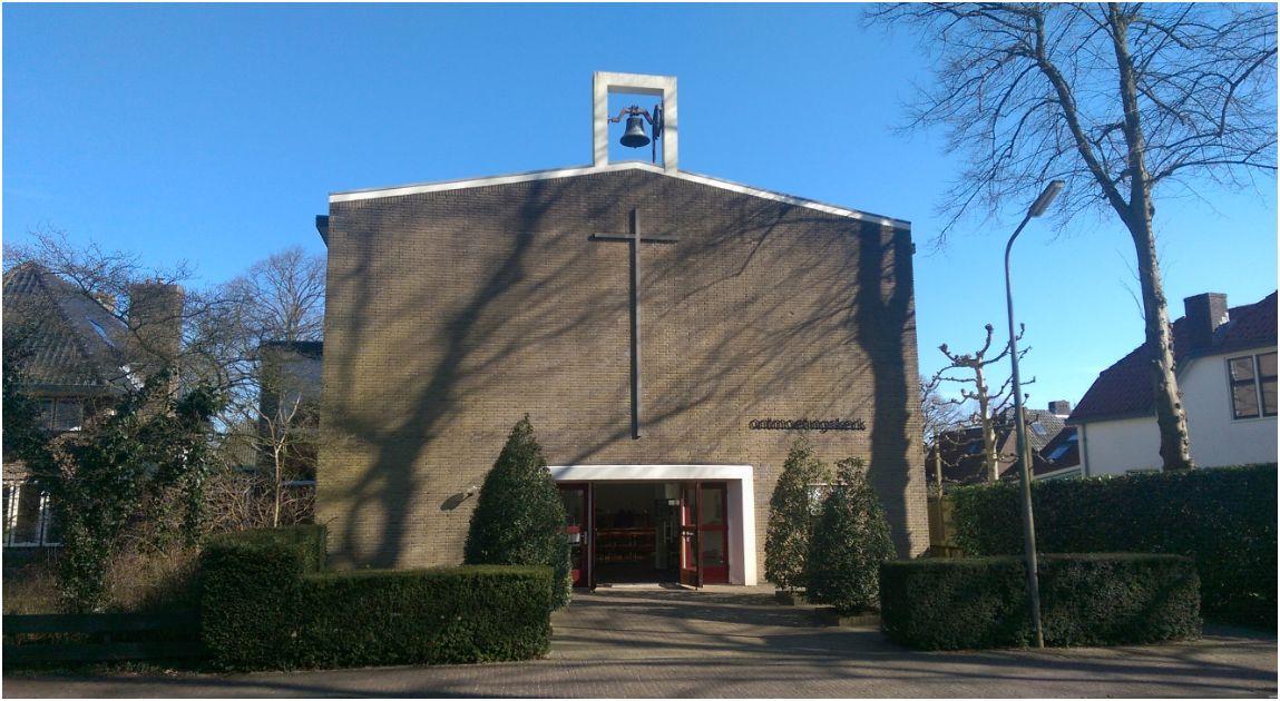 De Ontmoetingskerk aan de Kerklaan in Laren