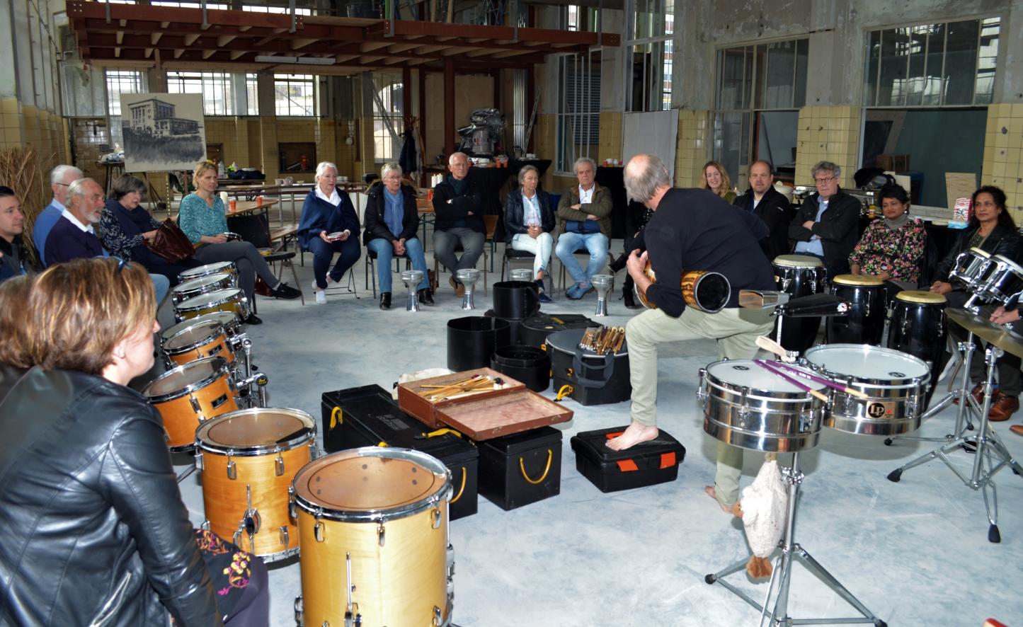 Veel enthousiasme bij de percussie workshop (Foto: Jobmaatjes)